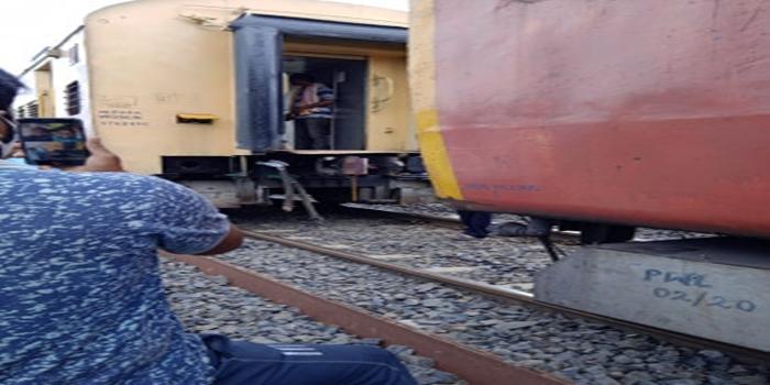 जीटी एक्सप्रेस टै्रन की कपलिंग टूटी,यात्रियों में मची अफरा-तफरी