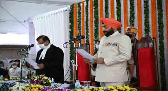 गुरमीत सिंह ने ली उत्तराखंड के राज्यपाल पद की शपथ