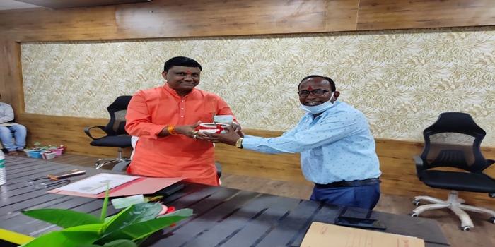 आयुष मंत्री श्री कावरे ने आयुष विभाग बालाघाट की गतिविधियों की ली जानकारी