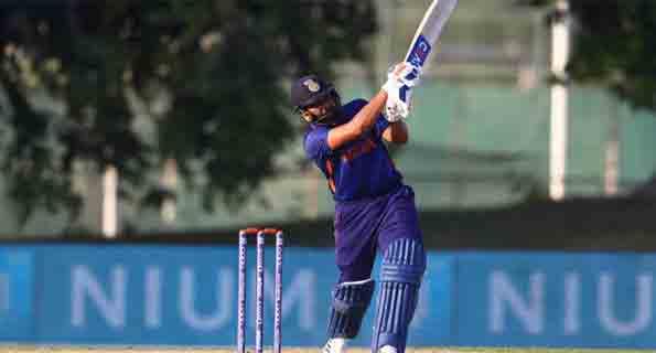 रोहित का अर्धशतक, भारत ने ऑस्ट्रेलिया को 9 विकेट से पीटा