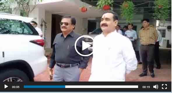 नरोत्तम मिश्रा से मिलने पहुंचे -कांग्रेस नेता सज्जन वर्मा