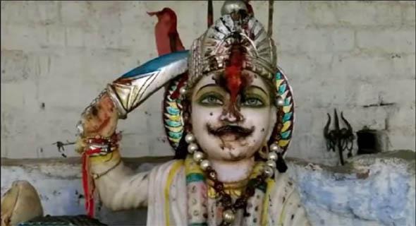 बैतूल के छतरपुर गांव में है रावण का मंदिर, भगवान की तरह पूजते हैं आदिवासी