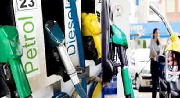 कच्चे तेल में लगी आग, घरेलू स्तर पर पेट्रोल- डीजल में शांति